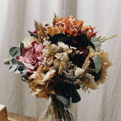 Elaboración de ramos de flores originales y venta online o recogida en tienda