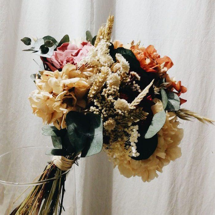Elaboración de ramos de flores originales y venta online
