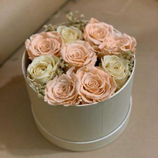cajita con rosas eternas